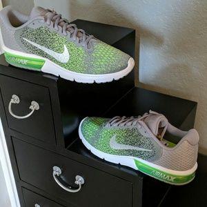 Nike Shoes - Men's nike